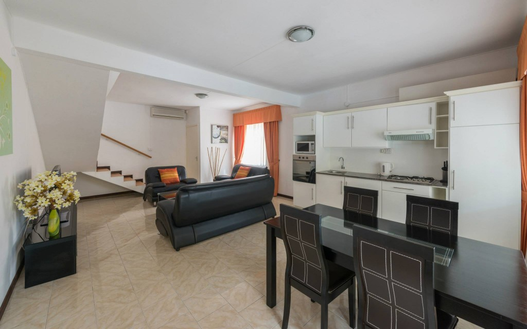 Duplex - Living room & kitchen area